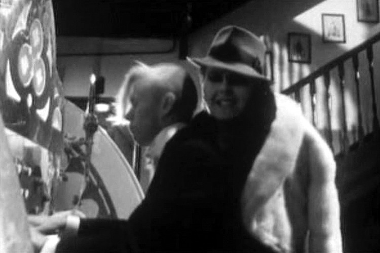 Don't go, still from the Yazoo video clip